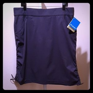 COLUMBIA SPORT SKIRT WITH OMNI-SHIELD